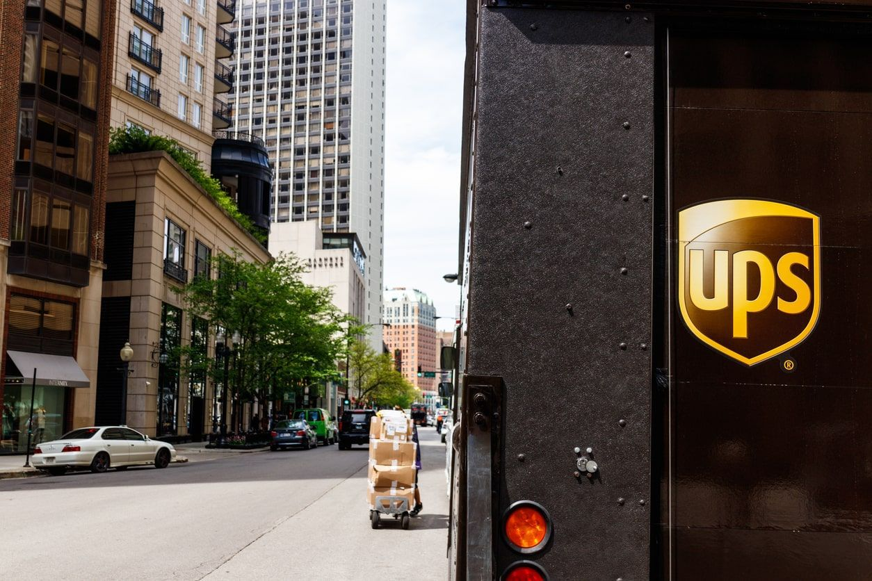 ups truck downtown